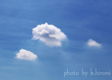 おだやかな顔、みえますか?空を彩るアートグラフィ