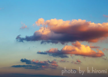 前へ前へ。うしろに未来はない。空を彩るアートグラフィ