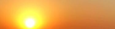 真っ赤な夕日 空を彩るアートグラフィ
