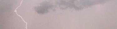 豪雨 雷音 稲光 空を彩るアートグラフィ